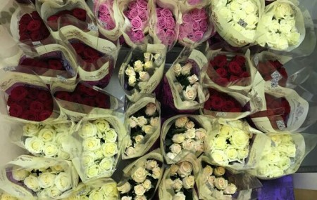 К нам приехали самые свежие и красивые цветы. Заказывайте=) (Заранее извините, за качество фото)